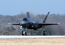 The F-35 Joint Strike Fighter (JSF) Lightning II, built by Lockheed Martin | Commons/U.S. Navy photo