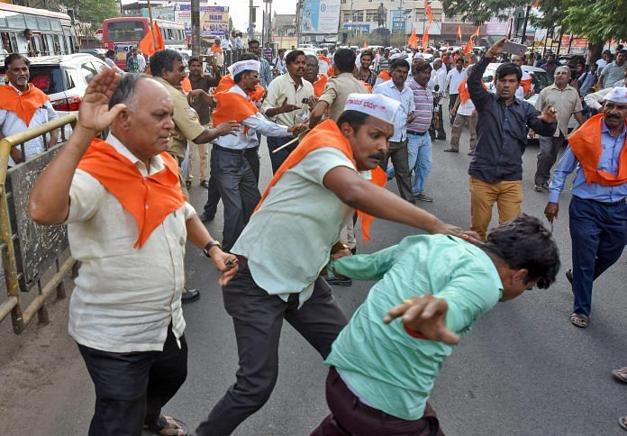 People of Lingayat and Veershaiva community clash with each other in Kalburgi