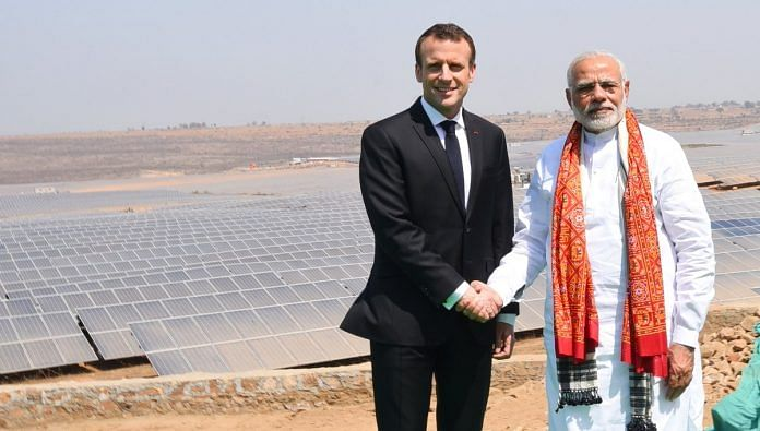 French President Emmanuel Macron and Indian PM Narendra Modi inaugurate a solar power plant in Mirzapur, March 12 | @narendramodi