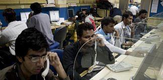 Call Centre operators in New Dehli, India