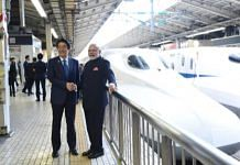 File image of PM Narendra Modi with his Japanese counterpart Shinzo Abe | @OmMathur_bjp/Twitter