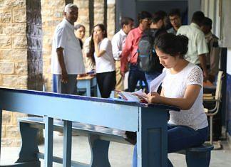 Students at DU | Manisha Mondal/ThePrint