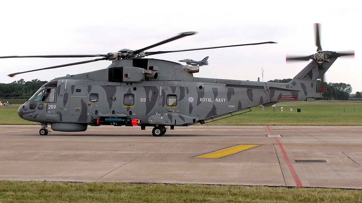 3 AgustaWestland choppers lie grounded in a Delhi air base, and ...