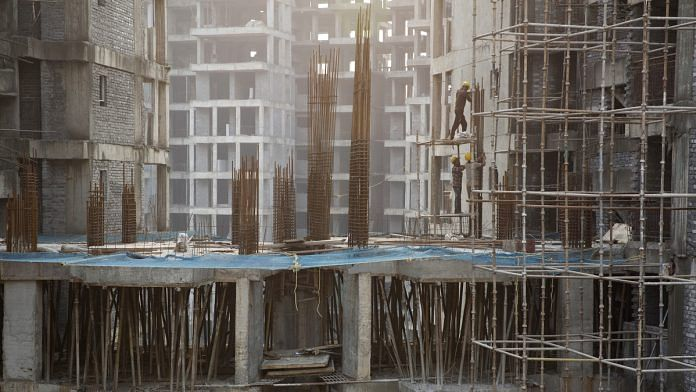 Workers at a construction site in Delhi (representational image) | Ruhani Kaur/Bloomberg