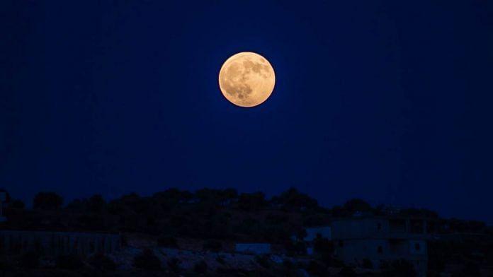 A full moon night | Pexels