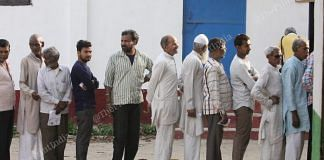 People queued up to cast their vote in the first phase of Lok Sabha Elections   Praveen Jain