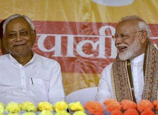 PM Narendra Modi and Bihar Chief Minister Nitish Kumar during the last phase of the Lok Sabha polls, at Paliganj in Patna