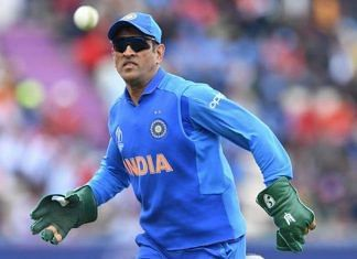 Mahendra Singh Dhoni sporting an Army insignia on his glove during the India-South Africa