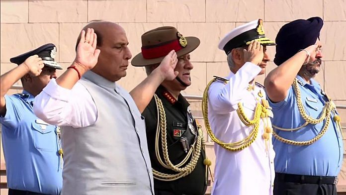 Defence minister Rajnath Singh with the three service chiefs at the national war memorial | Photo: ANI