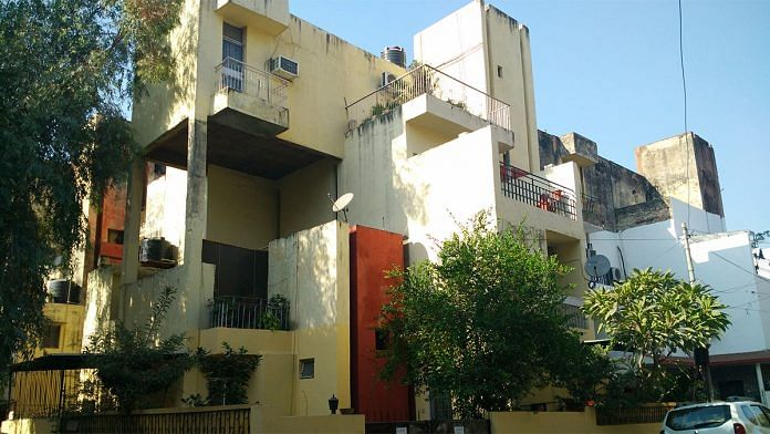 Delhi housing