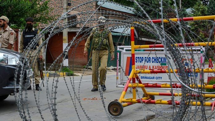 Representational image of a J&K Police barricade | File photo: PTI