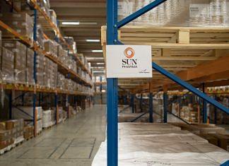 The Sun Pharmaceutical Industries Ltd. logo   Photographer: Jasper Juinen/Bloomberg