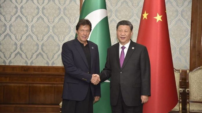 Pakistani Prime Minister Imran Khan with Chinese President Xi Jinping | File photo: @ForeignOfficePk | Twitter