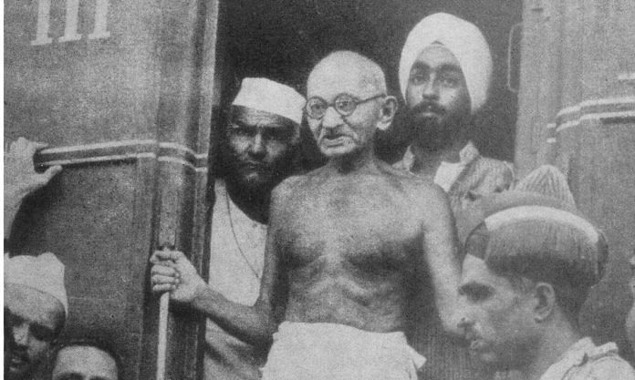 Gandhi at Lahore Railway Station on his way to Kashmir | Flickr | Collected Works of Mahatma Gandhi