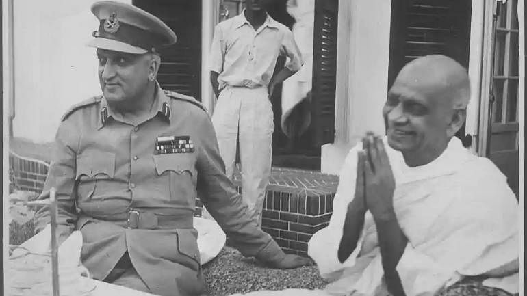 Maharaja Hari Singh with Sardar Vallabhai Patel | Commons