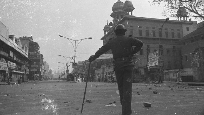 Gurdwara Sis Ganj Sahib during anti-Sikh riots, 1984 | Praveen Jain | ThePrint