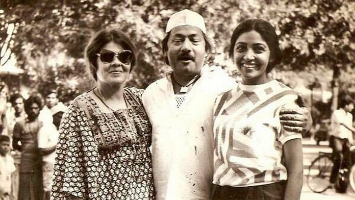 Actor Saeed Jaffrey on the sets of Chashme Buddoor with Deepti Naval and Sai Paranjape | Twitter: @FilmHistoryPic