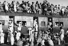 Refugees on a train during Partition of India, 1947 | Wikimedia Commons