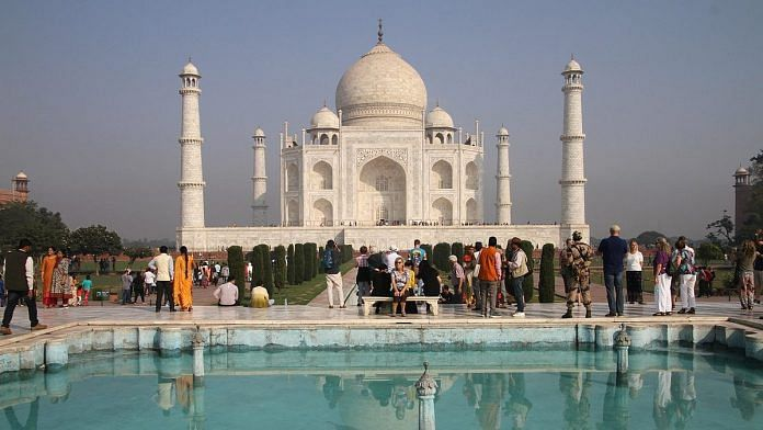 Agra, home of the Taj Mahal, hosts millions of tourists all year round | Photo: Commons