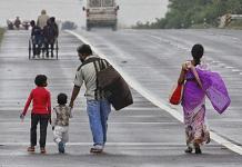 A family of workers walks towards the Delhi-Ghaziabad border | Photo : Suraj Singh Bisht | ThePrint