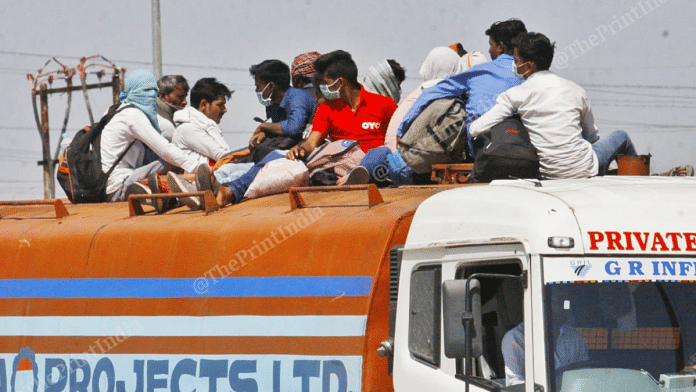 File photo of migrant workers on their way back to their native villages and cities amid the coronavirus lockdown | Photo: Praveen Jain | ThePrint