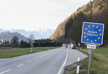 A European Union (EU) border sign on a road on Germany's border with Austria | Photo: Michaela Handrek-Rehle | Bloomberg