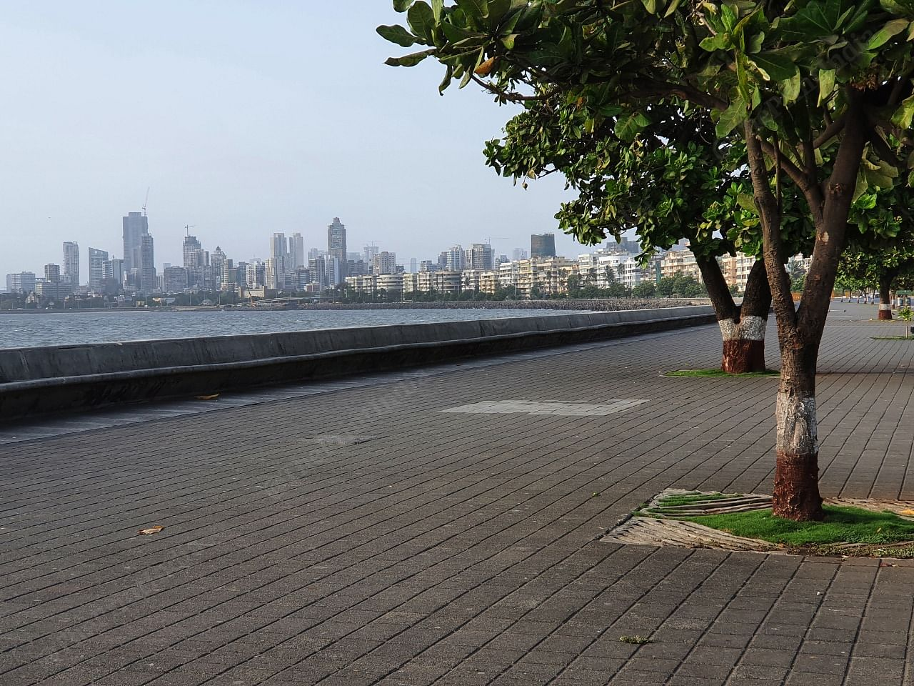 Marine drive, the queens necklace, looks sombre without tourists and residents sitting and enjoying the evening breeze   Photo: Soniya Agarwal   ThePrint