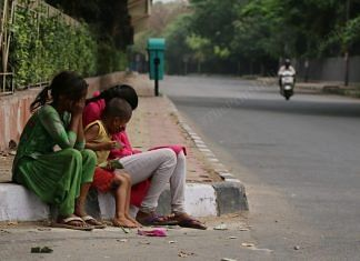 Chandni, 8, and her friends are among those begging for sustenance   Manisha Mondal   ThePrint