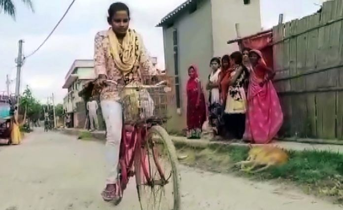 Young migrant Jyoti Kumari, who carried her injured father on a cycle for around 1,200 km from Gurugram to Bihar's Darbhanga amid Covid-19 lockdown. | Photo: ANI