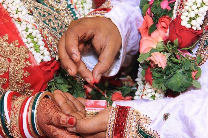 The sindoor ceremony is a traditional part of many Hindu weddings | Wikimedia Commons
