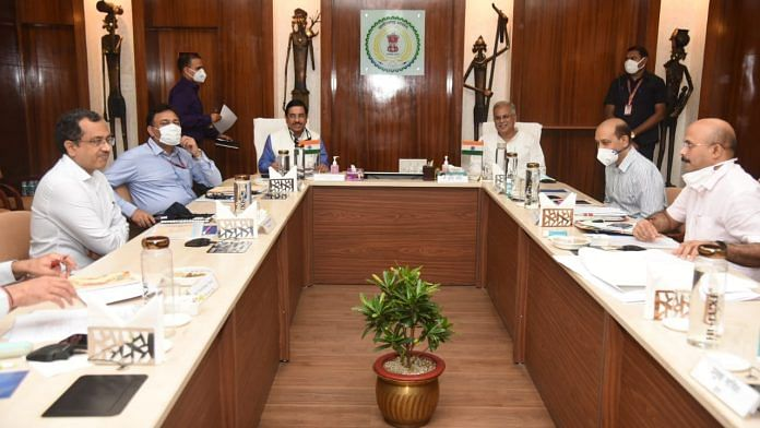 Meeting chaired by Coal Minister Pralhad Joshi on commercial coal auctions | Twitter