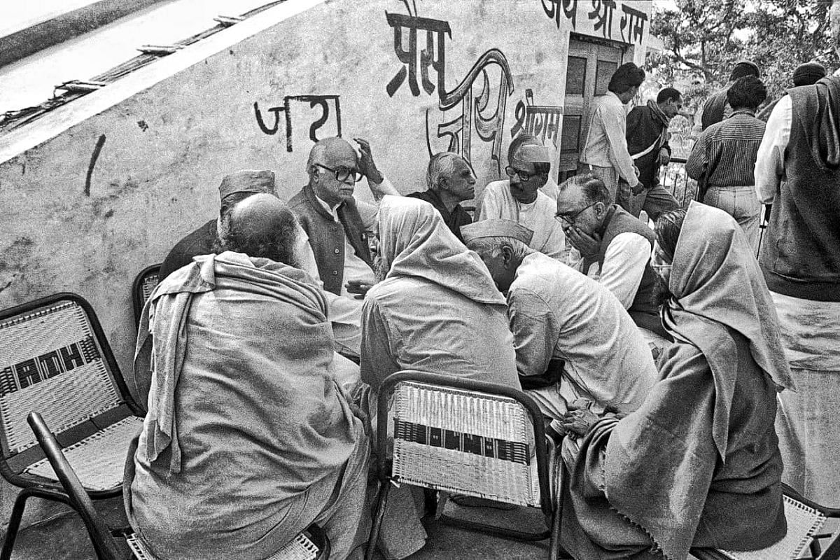 On 6 December 1992 morning, before the demolition, veteran leader L.K. Advani at a meeting with temple movement leaders   Photo: Praveen Jain   ThePrint