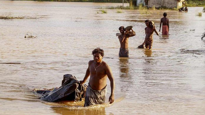 Flood affects daily life in Odisha | PTI