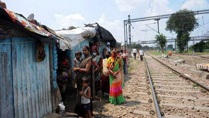 Residents of a slum at Sarai Rohilla | Suraj Singh Bisht | ThePrint