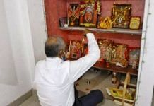 Judge S.K. yadav offering prayers before leaving for work | Photo: Praveen Jain | ThePrint