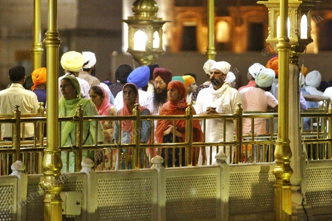 Lack of social distancing measures as people queue up at Golden Temple. | Photo: Praveen Jain/ThePrint