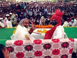 Congress leader Sachin Pilot (R) campaigns for the party at Karera, Madhya Pradesh, Tuesday | Twitter | @SachinPilot