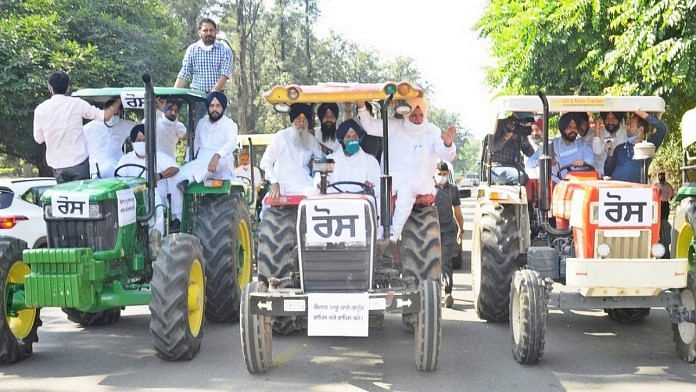 Shiromani Akali Dal MLAs arrive at the Punjab assembly on tractors, in solidarity with farmers protesting against the Modi govt's farm acts | By special arrangement