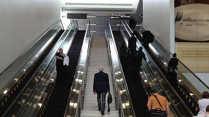 Representational image of escalator