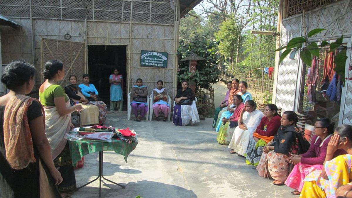 Assam woman collects plastic waste around Kaziranga, turns it into traditional handloom – ThePrint