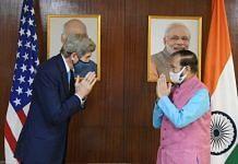 Union Minister Prakash Javadekar (right) with the Special US Presidential Envoy for Climate John Kerry in New Delhi Tuesday   Twitter/@PrakashJavdekar