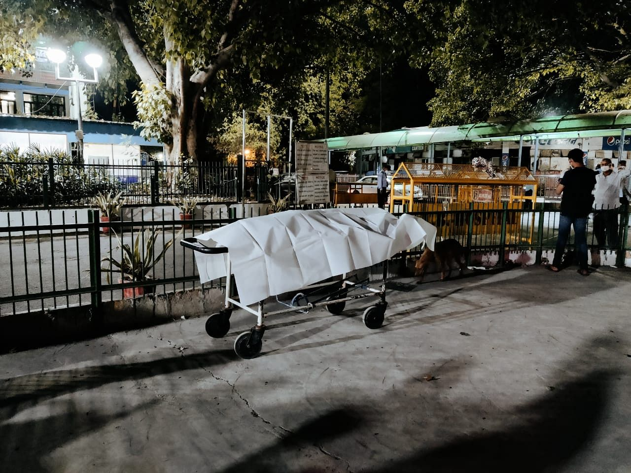 Dead body of a 35-year-old man lay unattended at GTB Hospital for more than 5 hours Friday   Shubhangi Misra   ThePrint