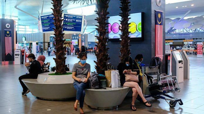 File photo of passengers at Kuala Lumpur International Airport 2 in Sepang, Selangor, Malaysia | Photo: Samsul Said | Bloomberg