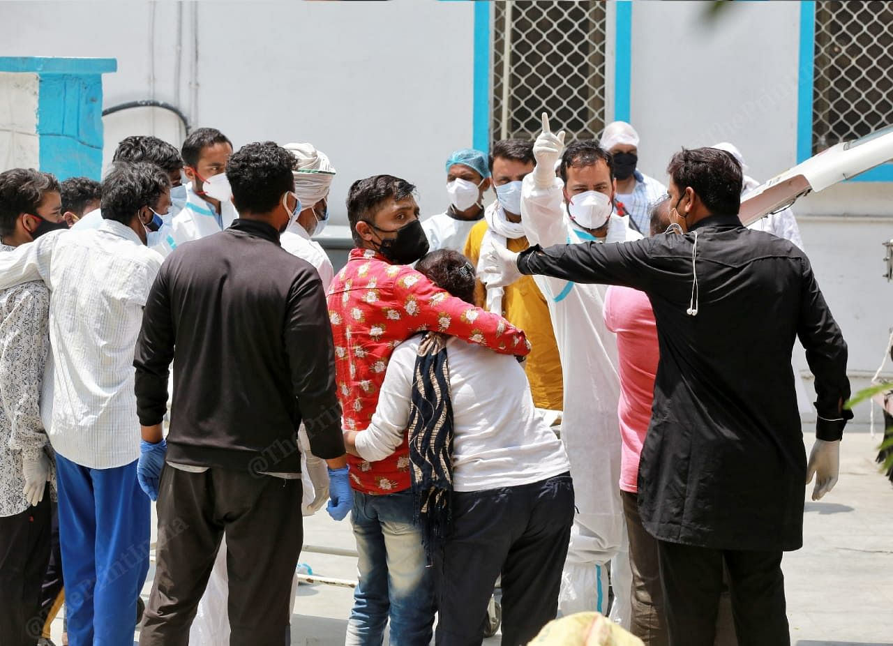 The authorities of the mortuary does not allow media to document outside the mortuary | Manisha Mondal | ThePrint