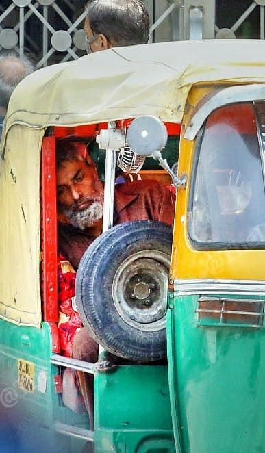 60-year-old Attaullah came in an auto-rickshaw to LNJP hospital, because his oxygen level was dipping precariously to below 50   Praveen Jain   ThePrint