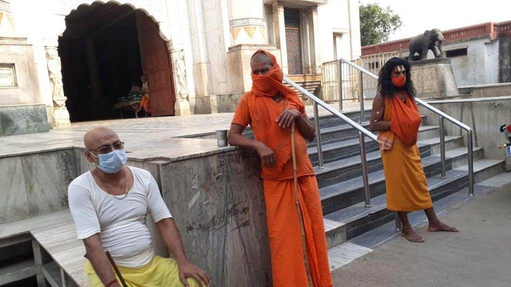 Parmeshwar Das Vedant (in yellow dhoti) at Sri Mani Ram Das Ki Chhawani | Photo: Moushumi Das Gupta | ThePrint
