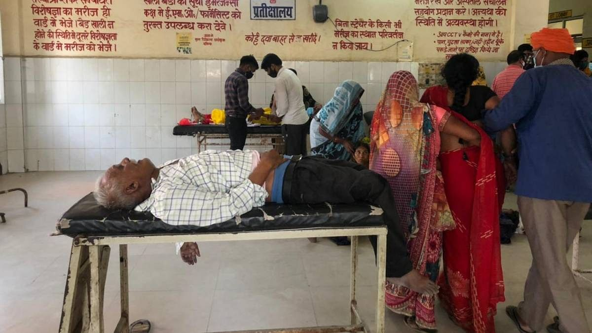 Patients at the Ballia district hospital | Jyoti Yadav | ThePrint