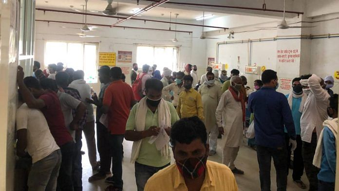 The crowded emergency ward at the district hospital in Ballia | Jyoti Yadav | ThePrint