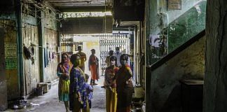The scene outside a polling booth on Tagore Castle Street in Kolkata   Photo: Arko Datto   Bloomberg