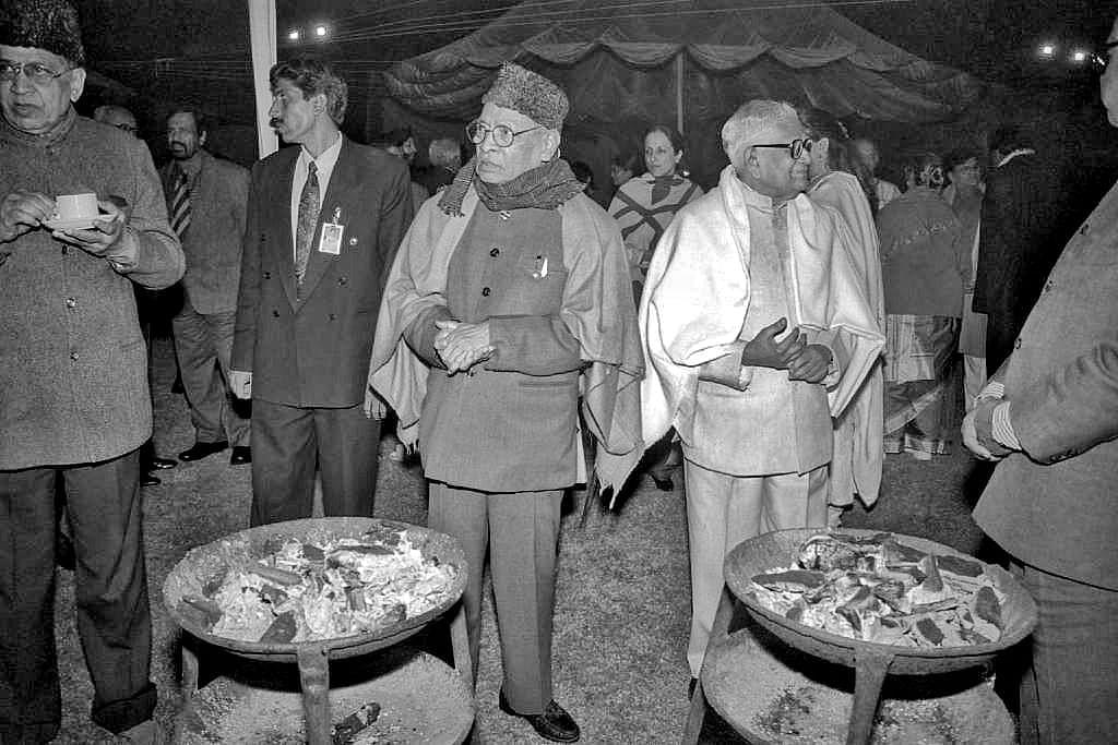Prime Minister P. V. Narasimha Rao & President R, Venkatraman during Iftar party at Hyderabad house   Photo: Praveen Jain